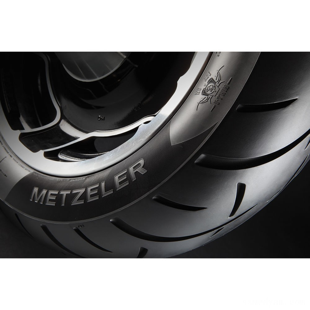 Metzeler ME888 Marathon Ultra 200/50R18 Rear Tire - 2703400